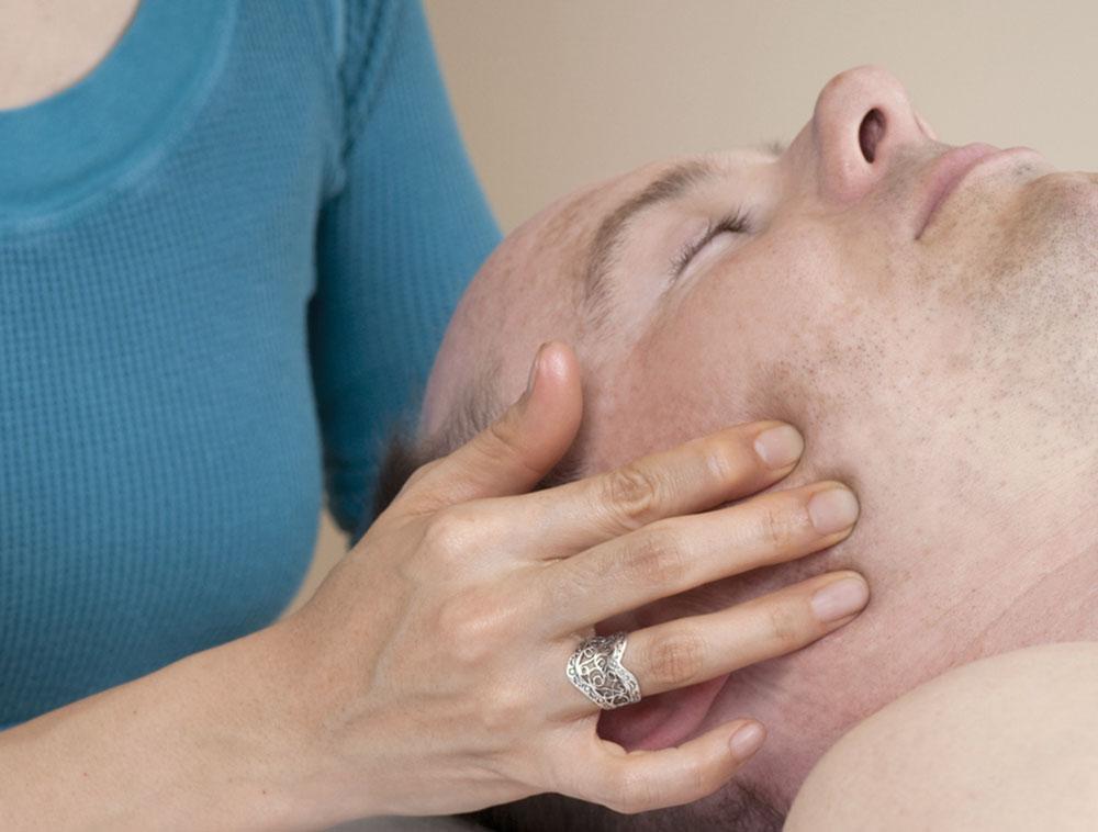 Therapien - Kiefergelenksbehandlung